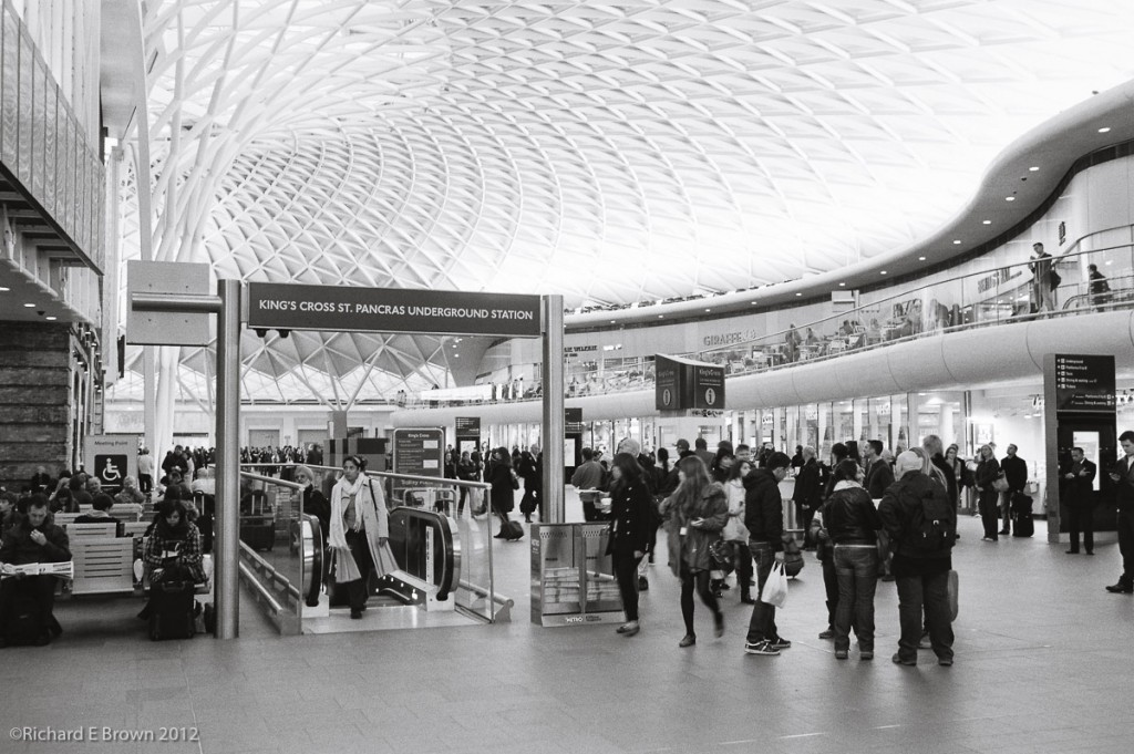 Kings Cross, Leica M4, Film HP5Plus