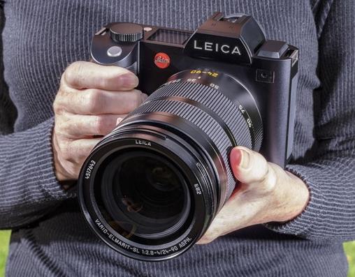 Giant Leica Mirrorless SL